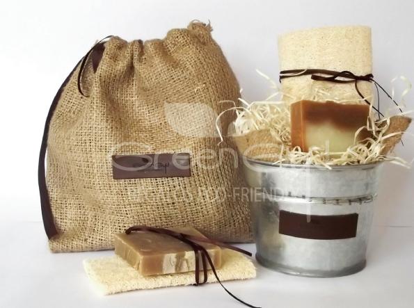 Baldcito con jabón de escencias naturales y esponja vegetal
